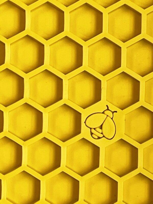 Calming Honeycomb licking mat image